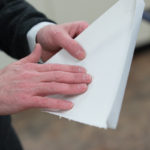 Nový biomateriál by mohl nahradit plastové lamináty