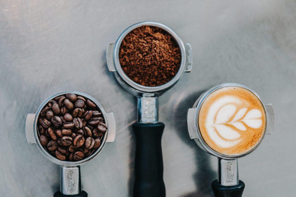 Známe výsledky pilotního projektu Cirkulárních kaváren v Praze