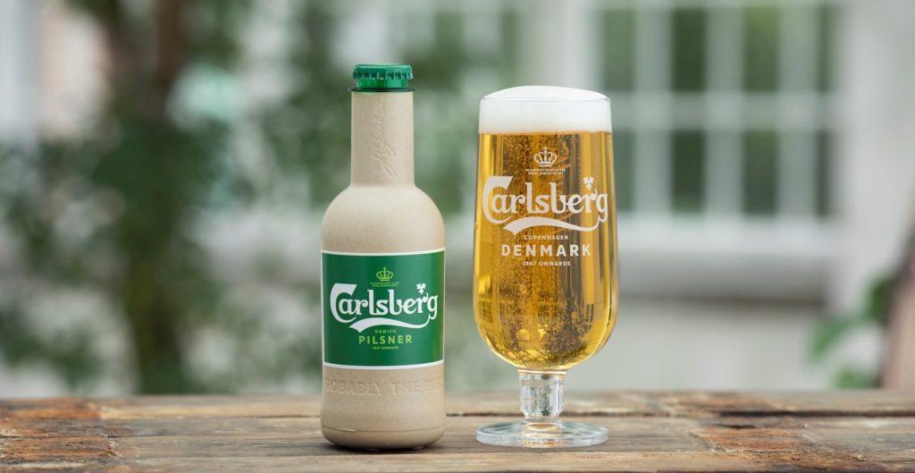 Carlsberg představil dva prototypy papírových pivních lahví
