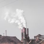 Vědci vyvinuli nový materiál, který dokáže zachytit oxid uhličitý a přeměnit ho v organický materiál