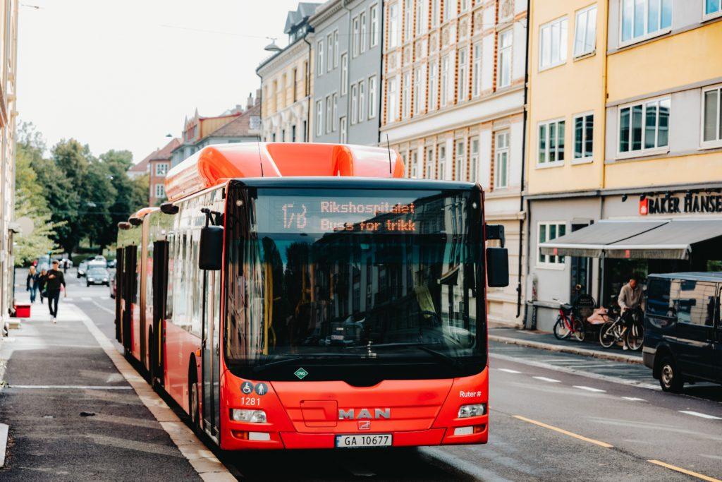 Oslo je dalším městem, kde autobusy jezdí na bioplyn z odpadů