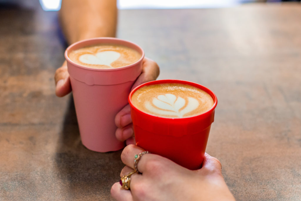 Projekt Otoč kelímek ukazuje, že o zálohované kelímky na kávu je velký zájem