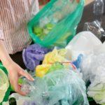 Covid nás zasypal plasty. Jsou ale všechny nutné?