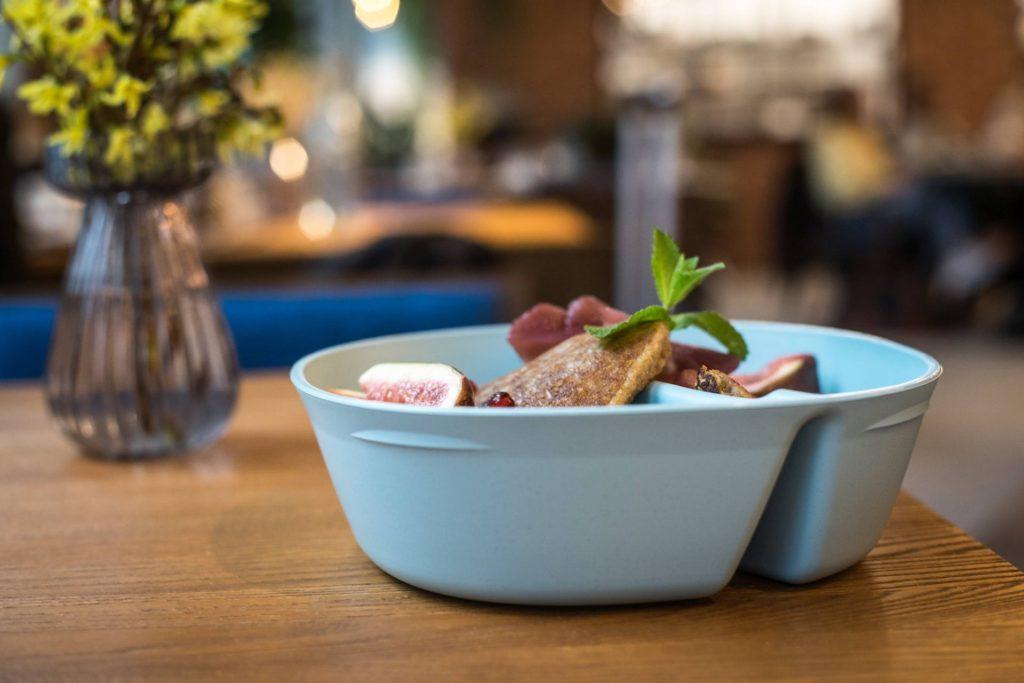 Vratná REkrabička nabízí ekologické řešení jídla s sebou a hlásí spojení s projektem Otoč kelímek