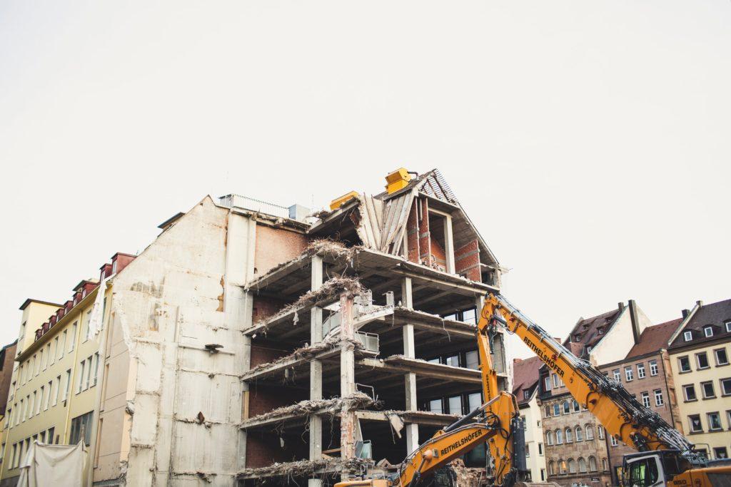 Čeští vědci zkouší recyklovat beton z demolic